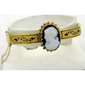 14K Yellow Gold Victorian Stone Cameo Bangle Bracelet